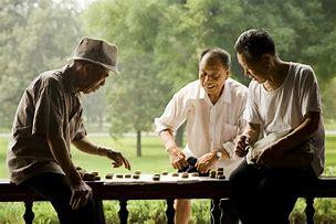 中老年人总是被现在电视 常常被开电视难住 你有同感吗